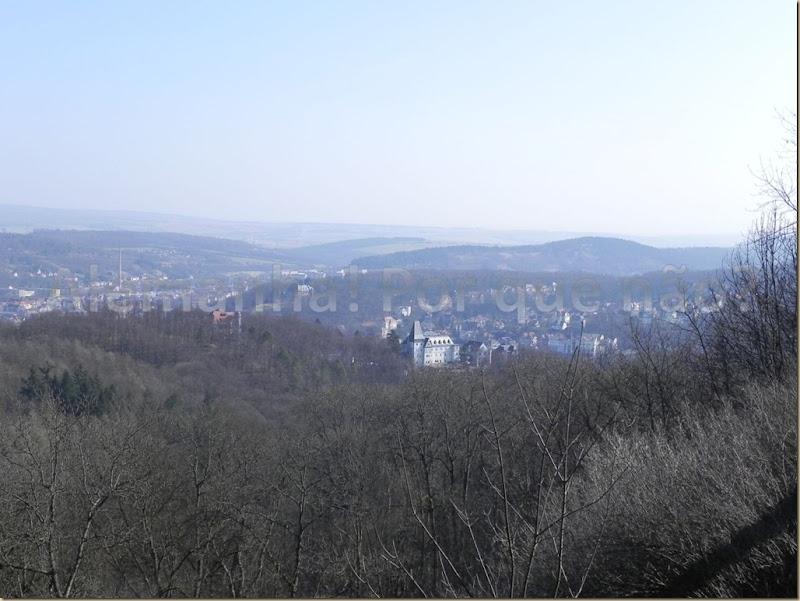 Vista do castelo: a cidade de Eisenach e a Floresta da Turíngia