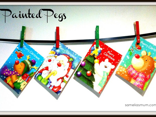 Painted Pegs – Hanging Christmas Cards {Tutorial}