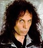 Ronnie James Dio - vocal principal