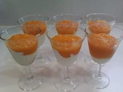 copa de melocotón con merengue