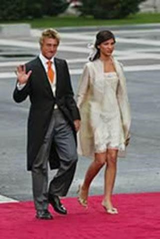 El tenista Carlos Ferrero junto a su novia