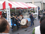 Sunday afternoon taiko drumming on the main street in Kawagoe