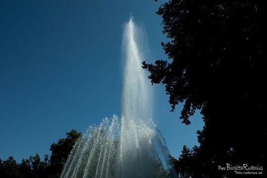 water_20110816_dancing3