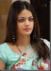 sneha-ullal-closeup still