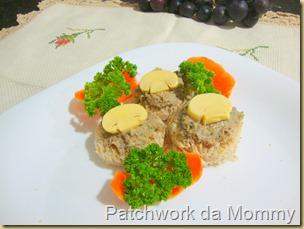 bolo de arroz, patê de fígado e galinhas 028
