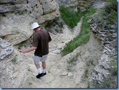 1900 Alberta - Writing-On-Stone Provincial Park - Battle Scene Trail - Bill on trail