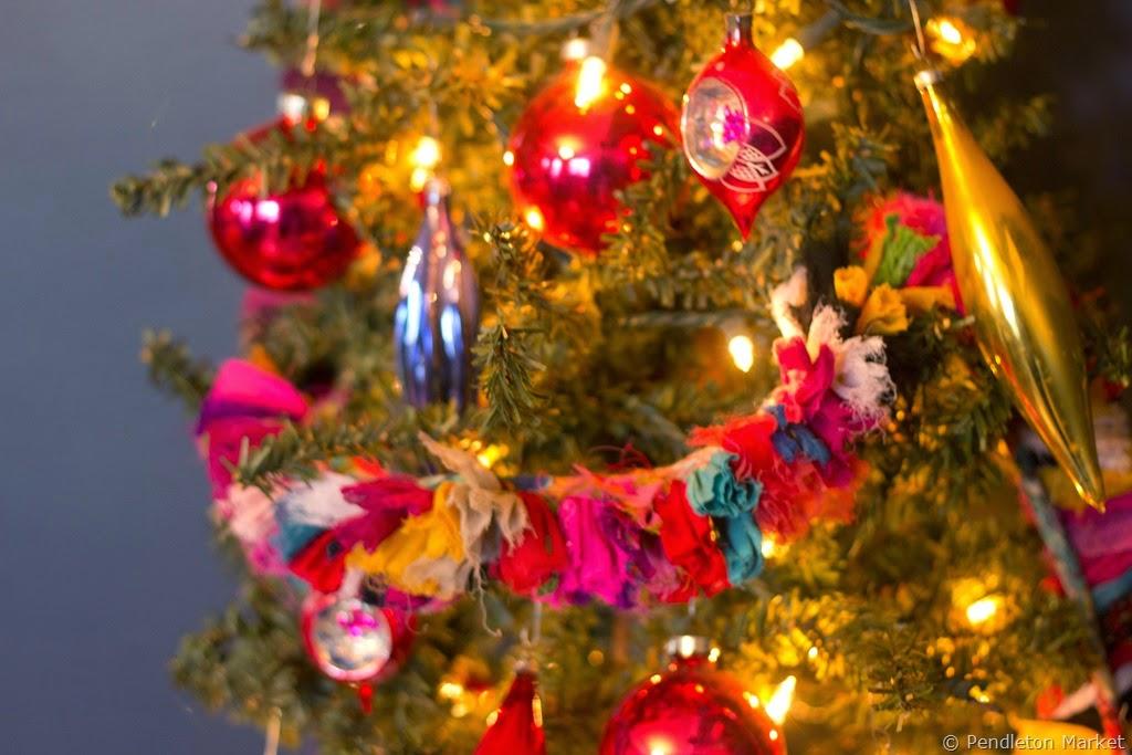 [Christmas2014_DiningRoom-6%255B6%255D.jpg]