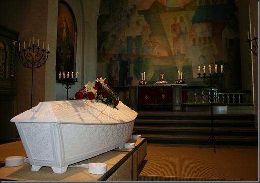 äidin hautajaiset 012