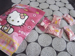 hello kitty chewy candy, 240baon