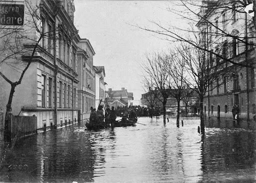 oversvamning-skolgatan-1900-1.jpg