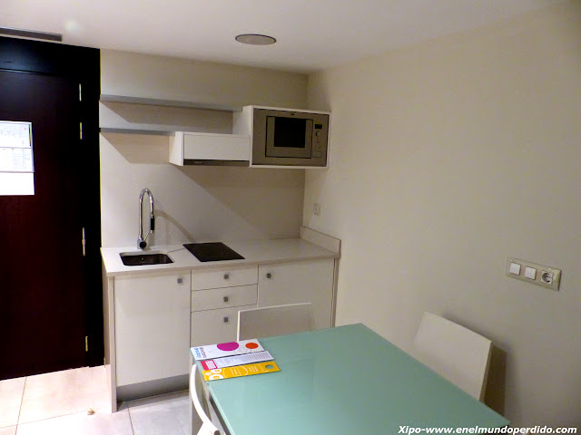 cocina-habitacion-hotel-agora.JPG
