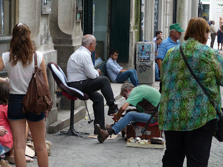 Imagini Portugalia: curatat de pantofi pe strada