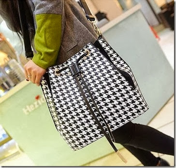 U4928 (190.000) - MATERIAL PU SIZE L30-40XH26XW14CM WEIGHT 750GR COLOR AS PHOTO