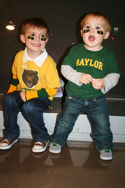 more Thanksgiving and Baylor game 088