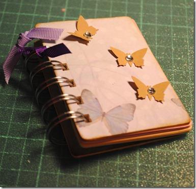 E agendina con fiocchettini violetto-1