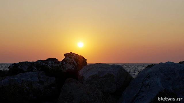 Ηλιοβασίλεμα στο κίνι