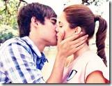 Quebra-cabeça beijo Violeta e Leon