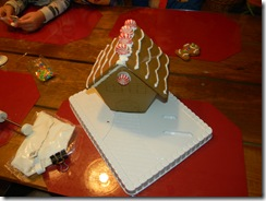 Gingerbread house 037