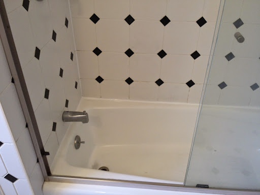 After grout cleaning and sealing by Grout Shield Distributors LLC<br />Ft Myers, Florida<br />239-768-6809<br />(800)631-0716<br />http://www.groutshields.com