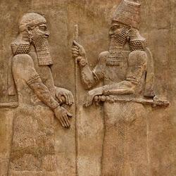 48 - Relieve de Sargon II y su hijo Senaquerib