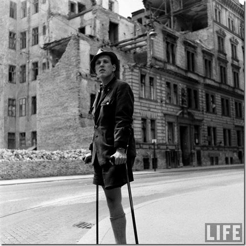 War casualty, Vienna, Austria, by Dmitri Kessel 1948