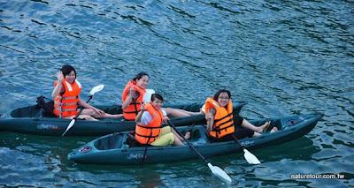 Kayaking-group-low.jpg