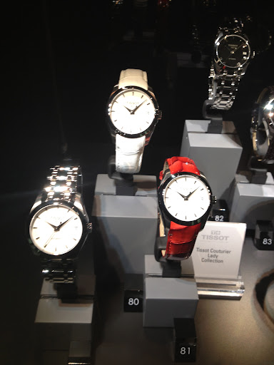 Loving these lacquered leather bands from Tissot. How cool is this cherry red style?