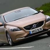 2013-Volvo-V40-New-16.jpg
