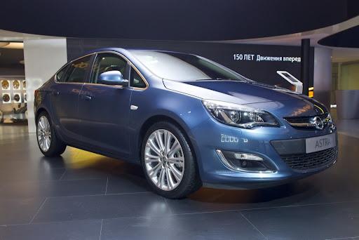 http://lh5.ggpht.com/-bfrn_dDy1Jo/UEC5_tqCpuI/AAAAAAAAhoY/-b9m9DYz0bM/2013-Opel-Astra-Sedan-Moscow-Live-1.jpg%3Fimgmax%3D1800