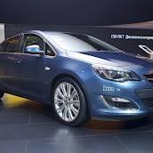 2013-Opel-Astra-Sedan-Moscow-Live-1.jpg