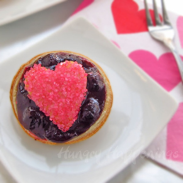 blueberry pie, blueberry tart, blueberry heart tart, pie filling recipe