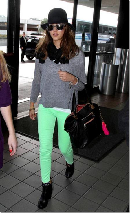 Jessica Alba Jessica Alba Green Pants ZvVJm0NafX_l