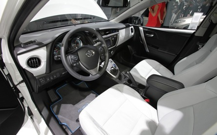 Toyota Auris Hybrid dash
