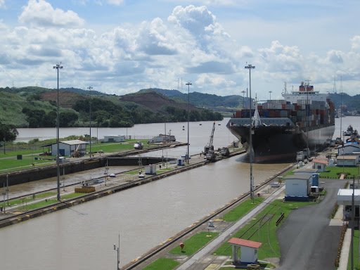 A large cargo ship entering Miraflores Locks.