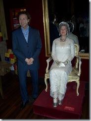 2011.08.15-168 Stéphane Bern et la reine d'Angleterre