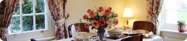 charlton-house-self-catering-lodge-dining
