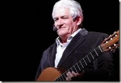 La noche del sábado cerrará la velada el cantante, guitarrista, autor y compositor argentino Orlando Vera Cruz