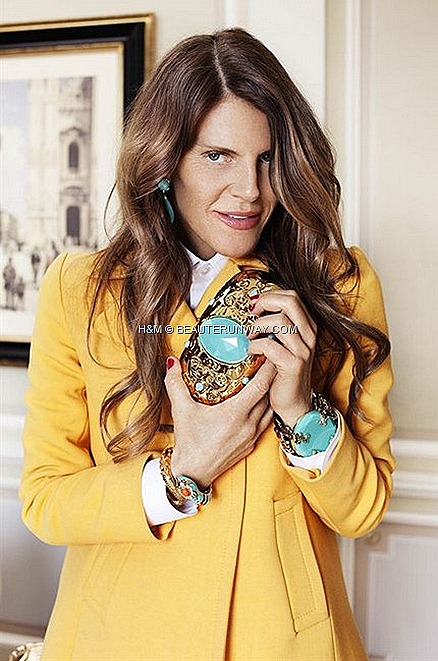 ANNA DELLO RUSSO H&M ADR CLUTCH BRACELET GOLD UNBASHEDLY GLAMOROUS ACCESSORIES FALL WINTER 2012 FASHION WEEK NEW YORK LONDON