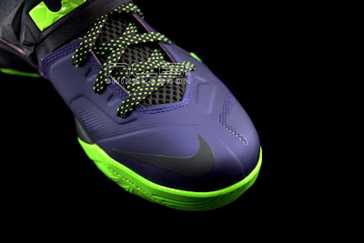 lebrons soldier7 purple volt 31 web black The Showcase: Nike Zoom LeBron Soldier VII JOKER