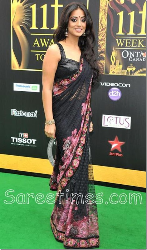 Mahi_Gill_Black_Saree