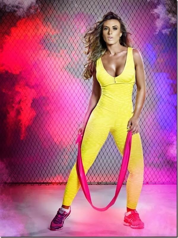 Nicole Bahls mostra corpão em mais um catálogo de moda fitness (1)