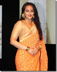 sonakshi_sinha_cute_in_saree