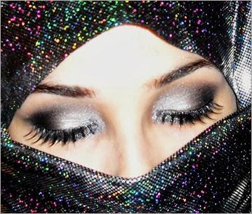 Silver Black Smokey Makeup