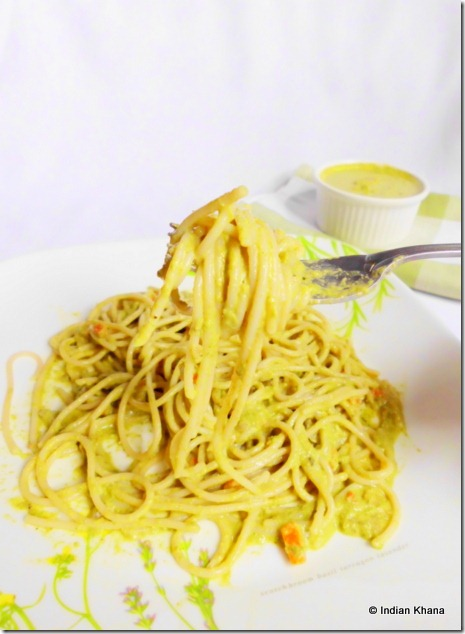Spaghetti pasta with spinach pesto recipe