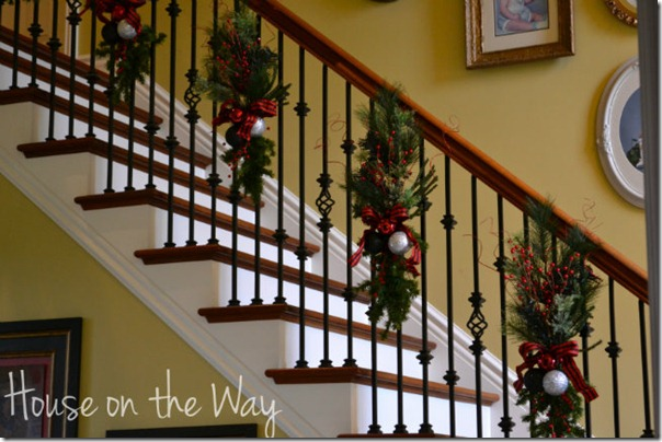 xmas-stair-garland1