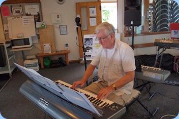 Gordon Sutherland, playing his Korg Pa3X. Photo courtesy of Dennis Lyons