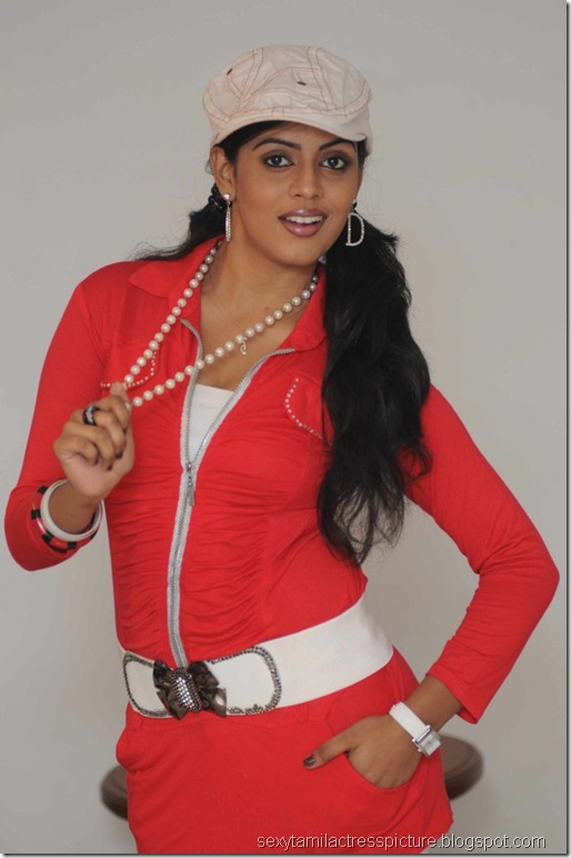 Actress_Iniya_Hot_Photo_Shoot_Stills_03