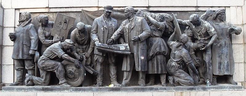 monument-soviet-army-sofia-14