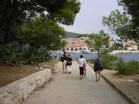 What to see in Croatia: Promenade to the port