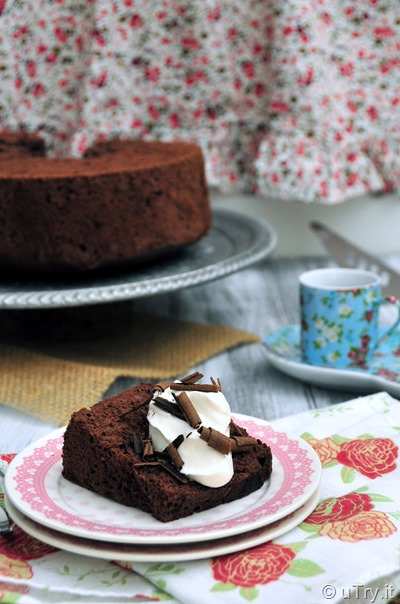 Chocolate Angel Food Cake (巧克力天使蛋糕)  http://utry.it